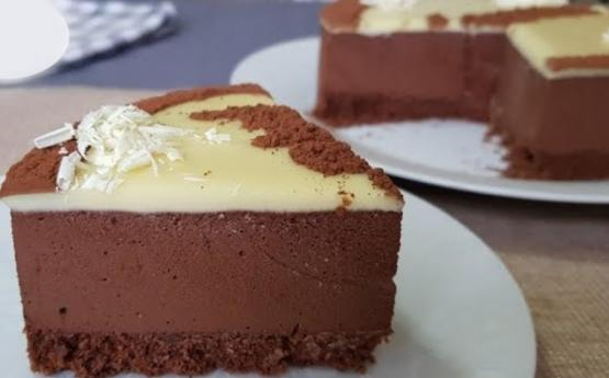 Շատ արագ  պատրաստվող շոկոլադե տորթի անչափ համեղ բաղադրատոմս