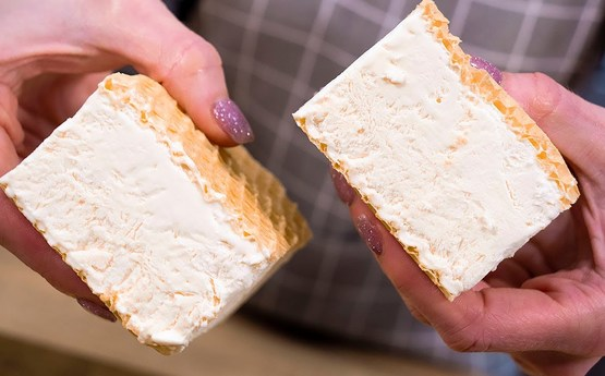 Ընդամեը 5 րոպեում, 2 բաղադրիչով պատրաստեք պաղպաղակ սենդվիչ