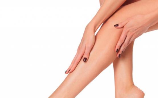 Ինչ սխալներ են կանայք թույլ տալիս ոտքերը սափրելուց, որոնք վնասում են մաշկը