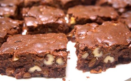 Շոկոլադով և չամիչով շատ համեղ պիրոգի բաղադրատոմս (Տեսանյութ)